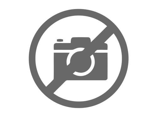 Yakacık'ta deniz manzaralı havuzlu Tripleks 735 m2 Müstakil